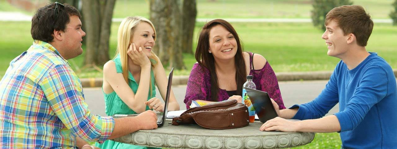 college_students_studying_1280x480